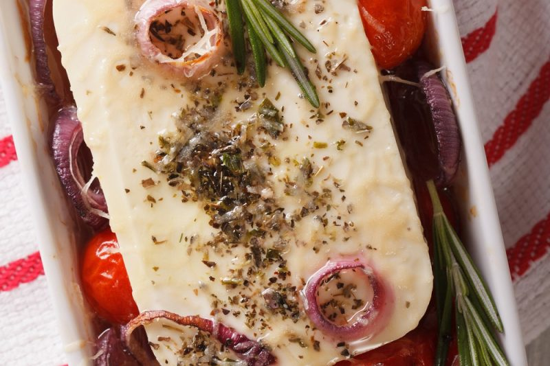Ofen-Feta mit Kirschtomaten und Olivengewürz