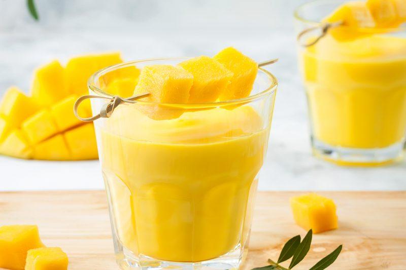 Mango-Kurkuma-Lassi