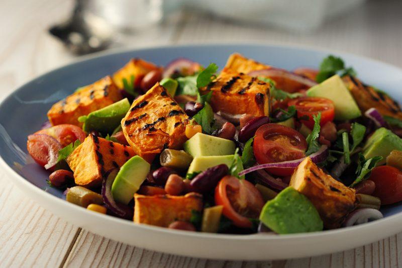 Süßkartoffel-Avocado Salat