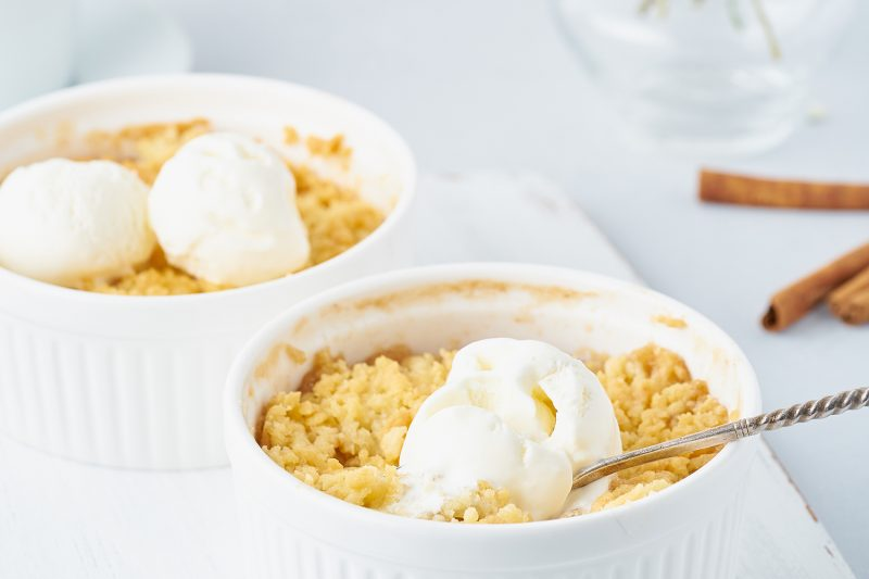 Apple Crumble mit Vanilleeis