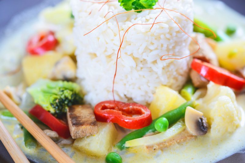 Tofu-Gemüse-Curry mit Ananas