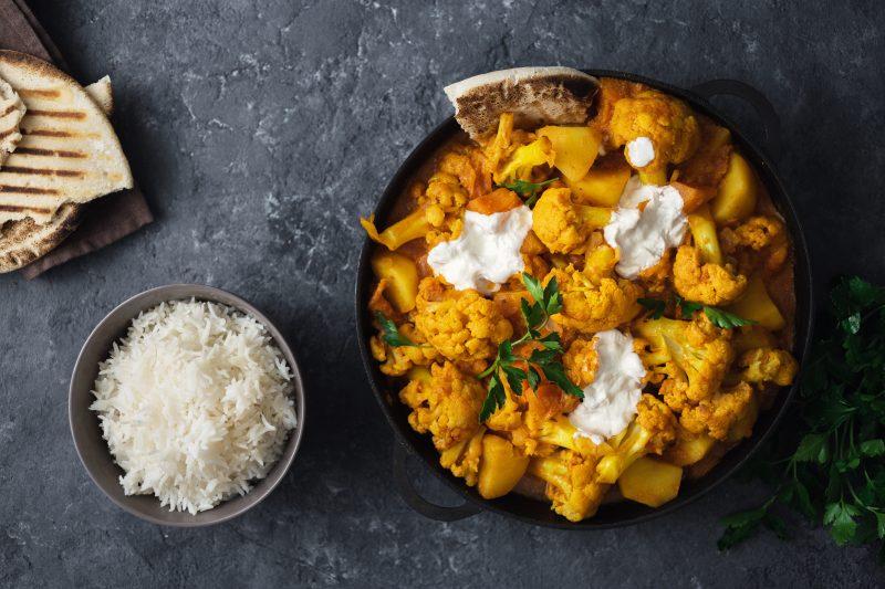 Indisches Blumenkohl-Kartoffel-Curry (Aloo Gobi)