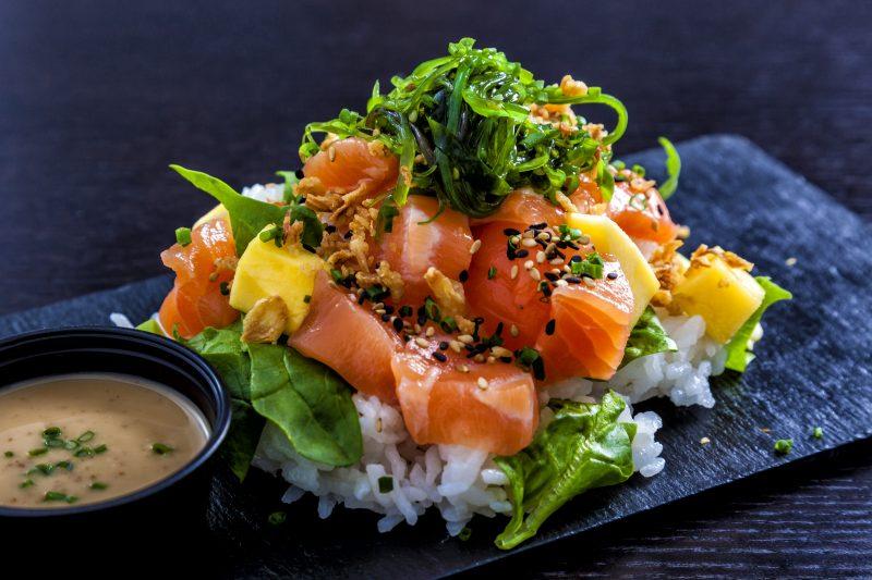 Fruchtig-frischer Lachssalat mit Avocado & Orange