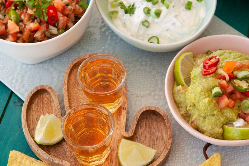 Dreierlei Dips: Guacamole, Sour Cream und Salsa ganz einfach selber machen